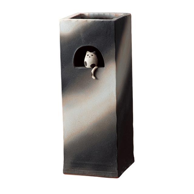 信楽焼きの傘立「小窓ねこ角型傘立」伝統 工芸品 しがらき 陶器 陶製 和風 玄関 レインラック アンブレラスタンド ラック 産地直送 玄関収納 かさたて 傘たて カサ立て アンティーク 色 リフル おしゃれ