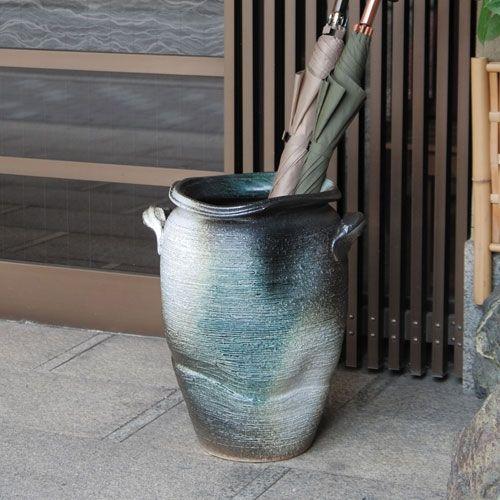 信楽焼きの「傘立て-青窯変壷型傘立」 伝統工芸品 しがらき 陶器 陶製 和風 玄関 レインラック アンブレラスタンド アンブレララック 産地直送 玄関収納 かさたて 傘たて アンティーク おしゃれ リフル