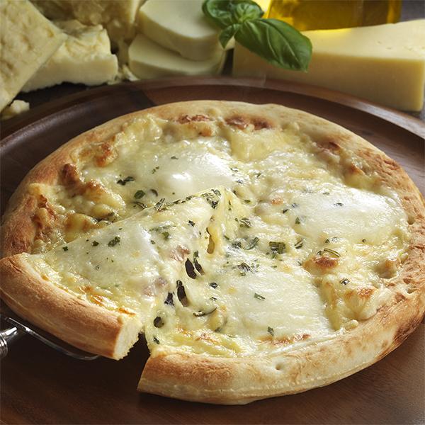 4種類のナチュラルチーズを贅沢にブレンド ピザ チーズ ナポリ風4種類のチーズ入りピッツァ 冷凍便 総菜 大決算セール 宅配 リーガロイヤルホテル おうち時間 お値打ち価格で