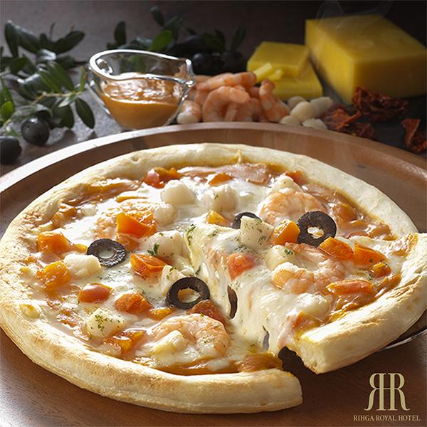 海老の旨味が凝縮された 濃厚なアメリケーヌソース 新色 ピザ 海老と貝柱のアメリケーヌソースピッツァ 冷凍便 エビ チーズ 大人気 貝柱 リーガロイヤルホテル