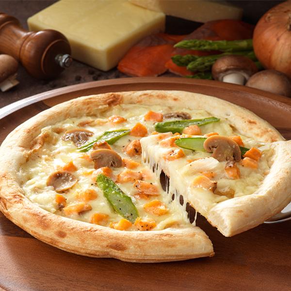 クリーミーなクリームソースを贅沢に使用 ピザ 大放出セール スモークサーモンのクリームソースピッツァ 公式ショップ 冷凍便 サーモン クリーム リーガロイヤルホテル
