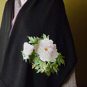 手刺繍 ショール 丹後ちりめん シルク100% 冨貴花 牡丹(黒色×小豆色)