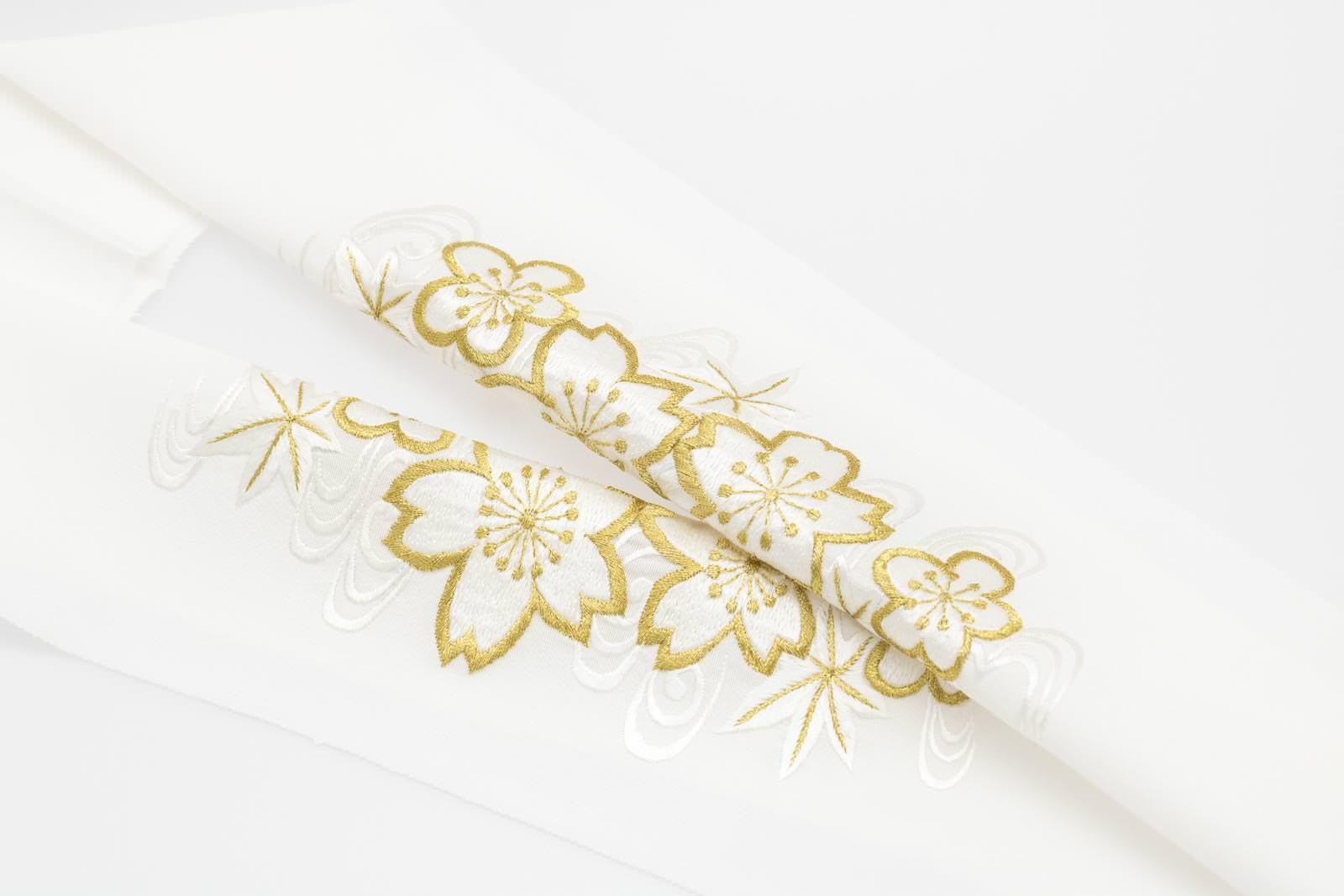 手刺繍 半襟 パールトーン加工済 シルク100% 塩瀬 手刺繍 半衿 白 四季折々(刺繍糸 白×金)