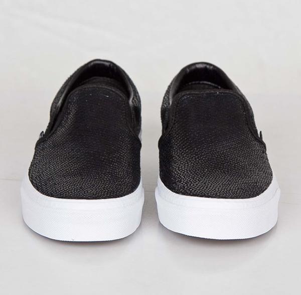 vans classic slip on black pebble snake