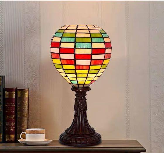 割引も実施中 ~生活をカラフルオシャレに~ ステンドグラスランプ 卓上スタンド .豪華テーブルランプ ガラス工芸スタンド 卓上照明 贈呈 高さ42cm
