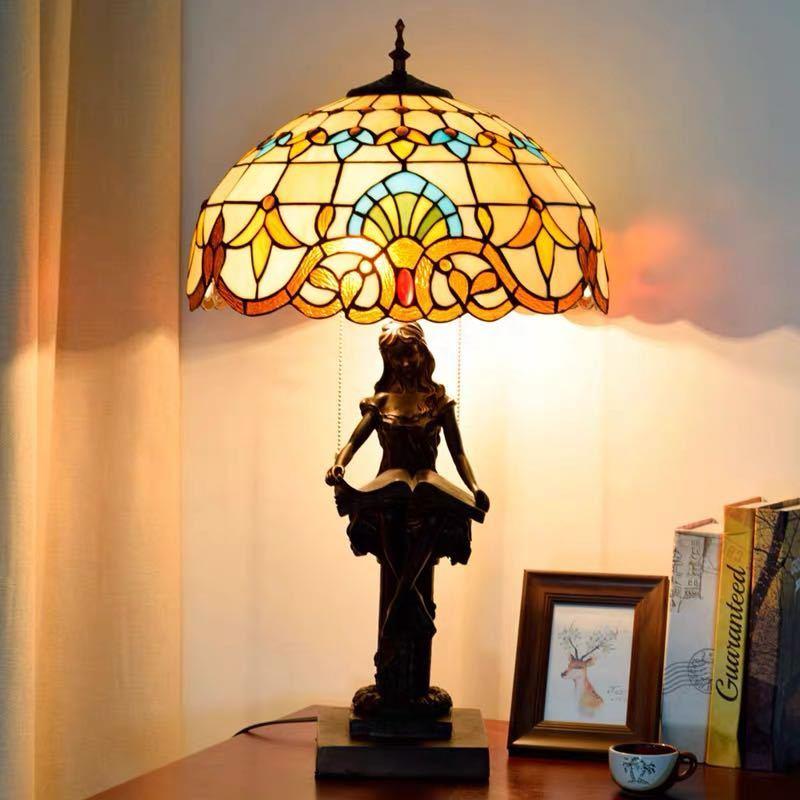 爆安プライス ~生活をカラフルオシャレに~ OUTLET SALE ステンドグラスランプ .卓上スタンド ガラス工芸スタンド 豪華テーブルランプ 卓上照明