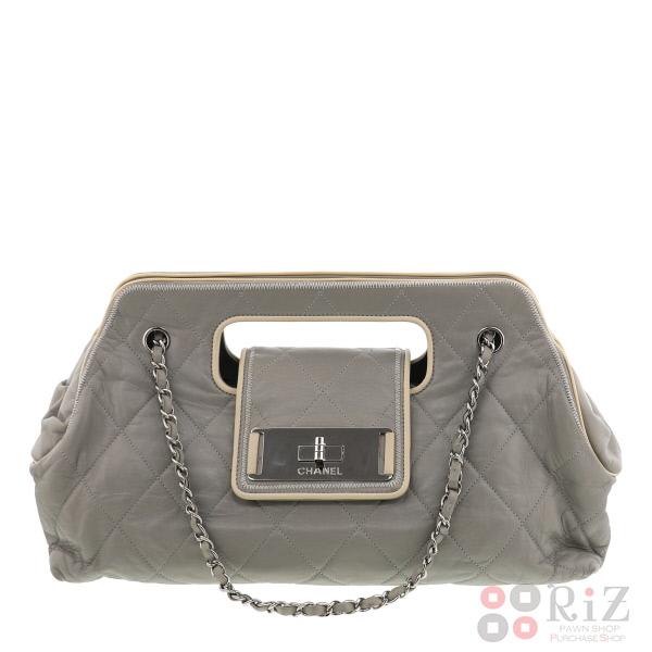 【中古】CHANEL (シャネル) 2.55 チェーンショルダーバッグ バッグ ショルダー/メッセンジャーバッグ Gray used:B