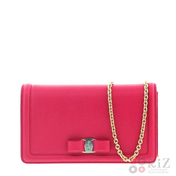 【中古】FERRAGAMO (フェラガモ) チェーンウォレット バッグ ショルダー/メッセンジャーバッグ Pink unused:S