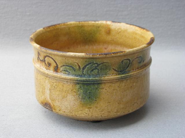 【瀬戸焼/せともの】【抹茶碗/茶道具】黄瀬戸胴〆茶碗