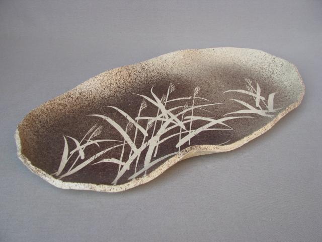 【作家一点物】【日展作家/亀井勝】【楕円皿/盛皿】紫吹ズミススキ紋楕円皿