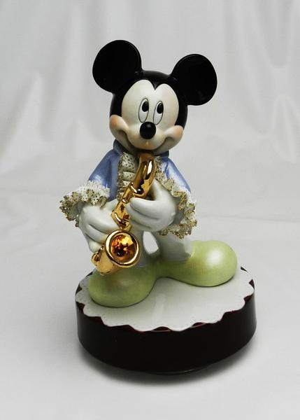 【ディズニー/ミッキーマウス】【陶器/オルゴール/インテリア/レースドール】ディズニー ミッキーマウス サックス(カラー) レースドール オルゴール