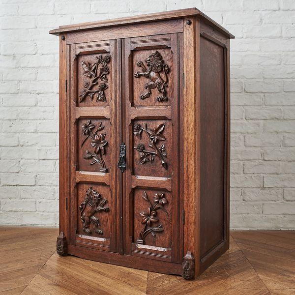 IZ37815C★英国 アンティーク カクテル キャビネット オーク 無垢材 ブックケース 飾り棚 本棚 ディスプレイ 彫刻 イギリス