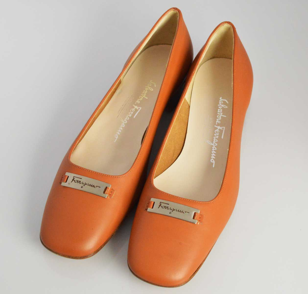(1820) 【その他】 フェラガモ レザー パンプス 6 1/2 ライトブラウン [靴] 【中古】