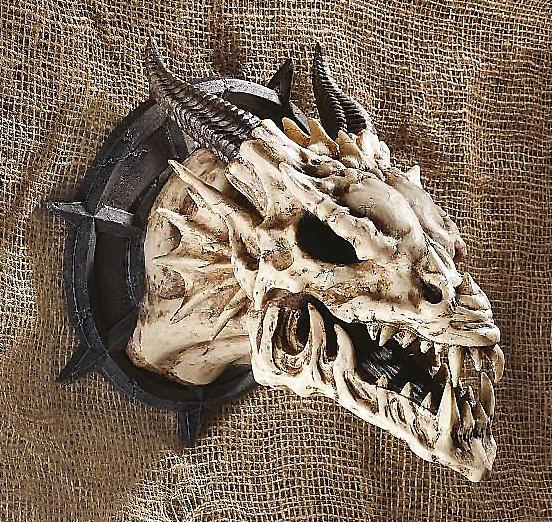 角のあるドラゴンスカル 頭蓋骨 彫像 ウォールデコールオブジェ/ Design Toscano CL4864 Horned Dragon Skull Wall Trophy (輸入品)
