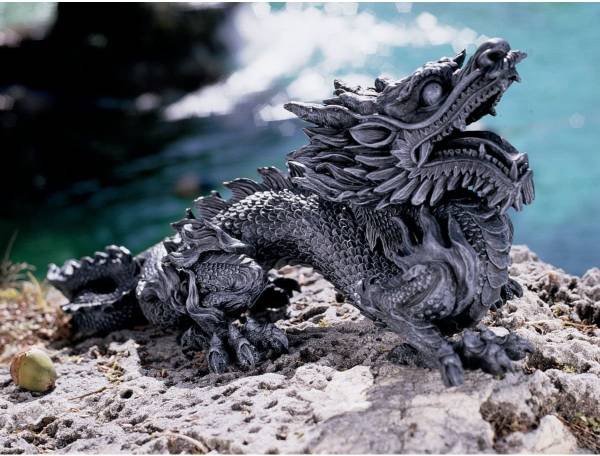 デザイン・トスカノ製 慈悲深いアジアのドラゴン(龍) 彫像 彫刻/ Design Toscano Benevolent Asian Dragon Statue(輸入品)