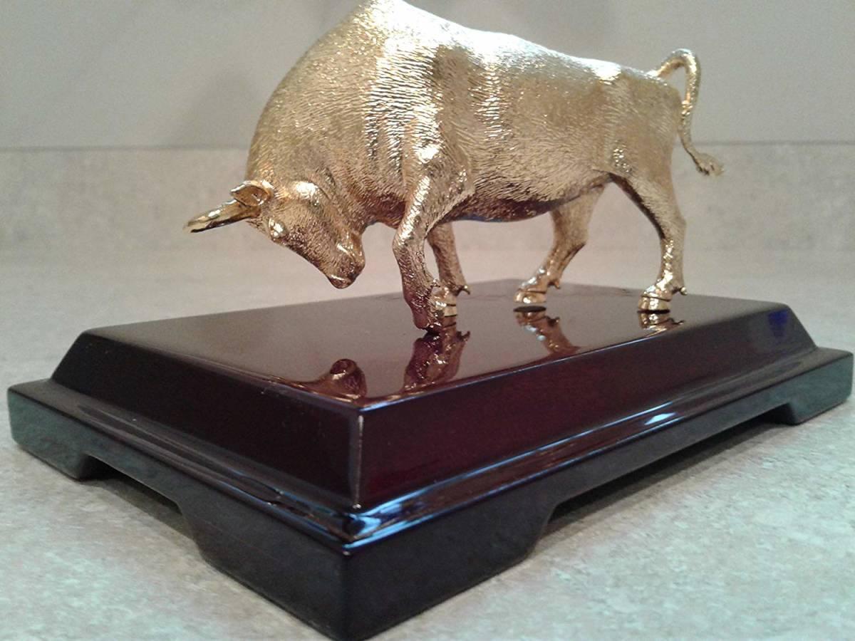 24金ゴールド風 チャージング・ブル(上昇相場)ウォールストリート風水置物 彫像 彫刻 大きさ 約14cm(輸入品)
