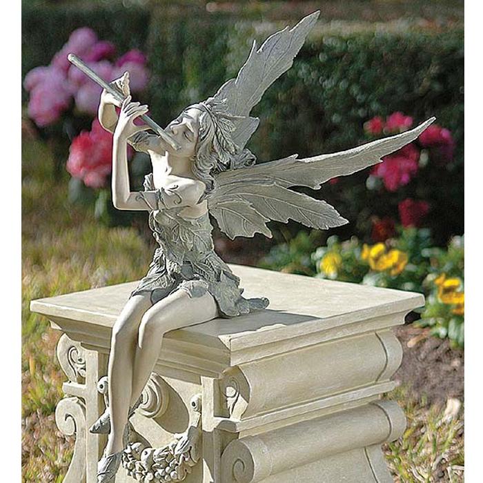 座っている西風の妖精 ガーデン彫像 高さ約48cm/ Design Toscano Fairy of the West Wind Sitting Statue(輸入品