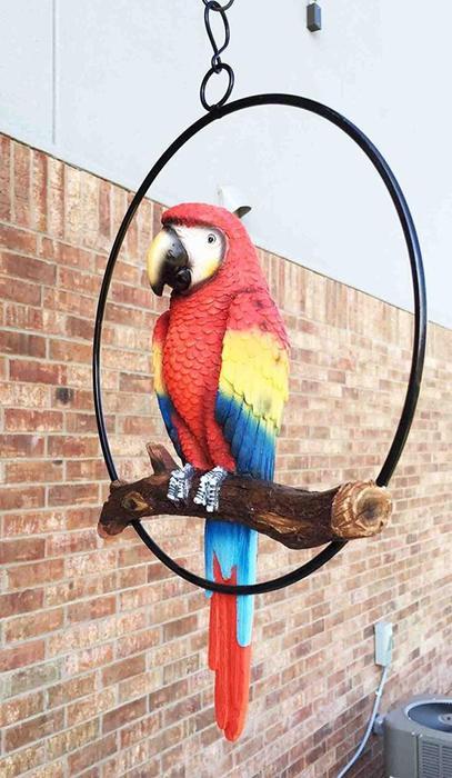 パティオ&ホーム用 枝に止まったスカーレット色の コンゴウインコ 、オウム(鸚鵡)、愛好家のための トロピル彫像 彫刻(輸入品