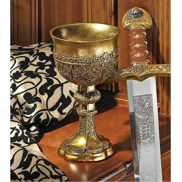 デザイン・トスカノ製 アーサー王 黄金の杯 レプリカ ゴールデン シャリス ゴブレット ゴシック調 カップ 彫刻 彫像(輸入品