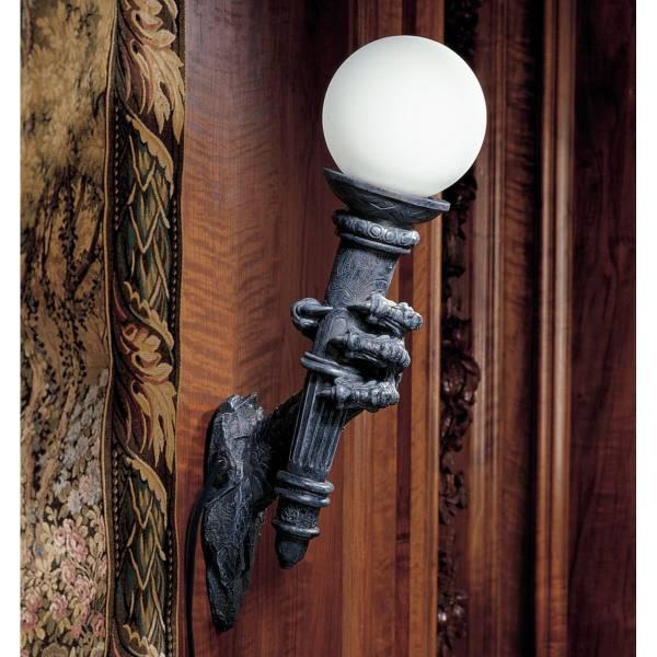 ブラックフライヤーズの壁照明ランプ 松明を握ったドラゴン風手首壁掛け照明 彫刻 彫像/Blackfriar's Gate Wall Torchiere Lamp(輸入品