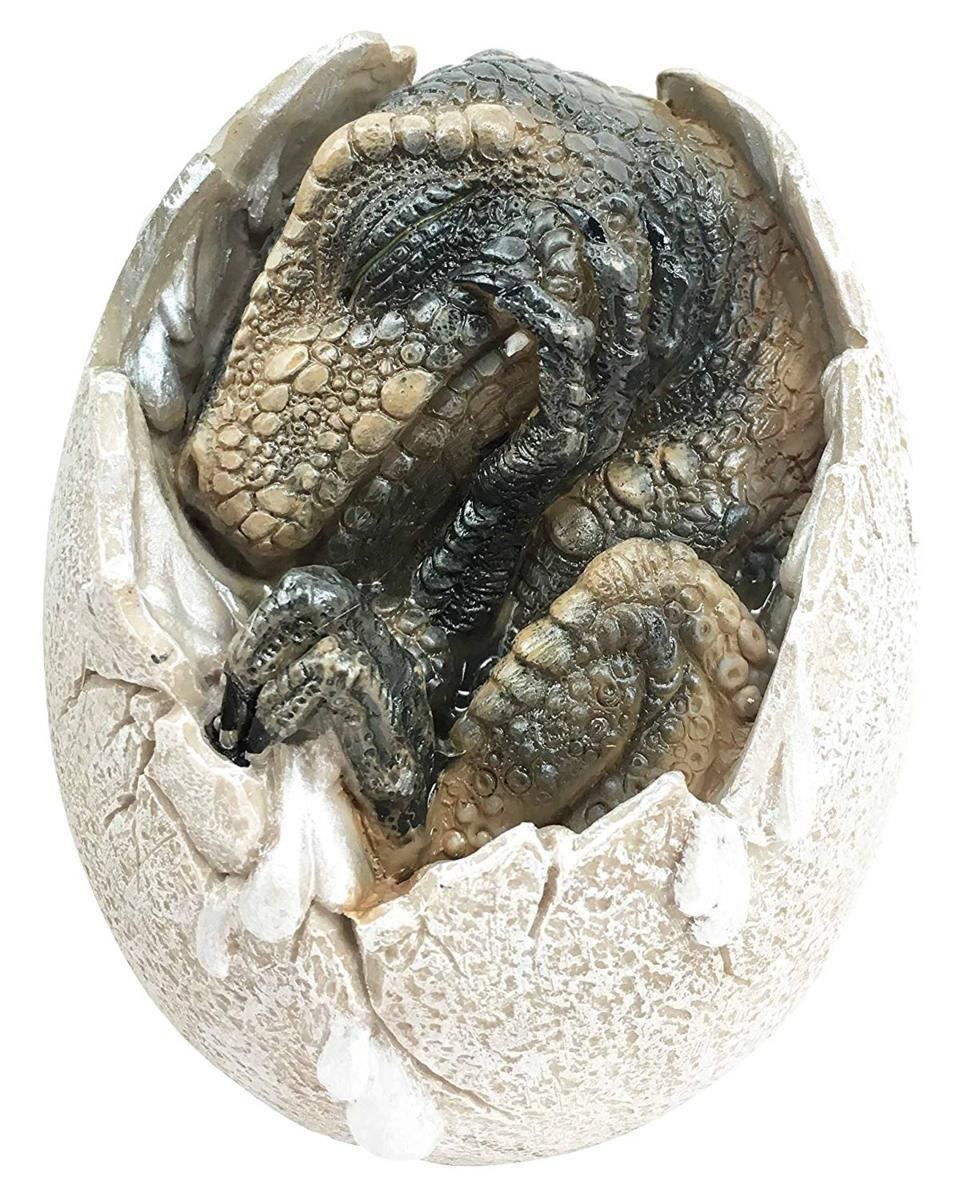 ティラノサウルス・レックスの卵 恐竜置物 孵化し、割れた卵から、顔を出す恐竜の赤ちゃん レプリカ 彫刻 彫像