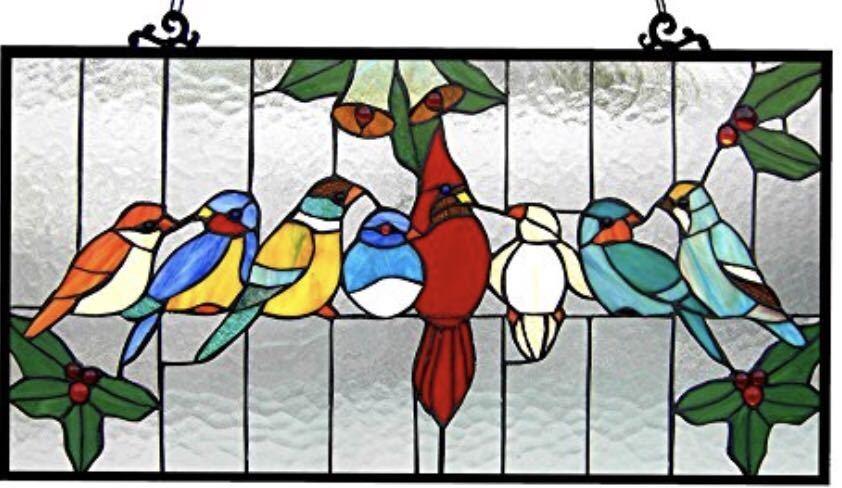 クロエ・ライティング製 ティファニーグラス 仲良く集まる小鳥たち インコ ステンドグラス アートガラス パネル タテ約32cm×ヨコ 約62cm/ ウインドウ 窓 装飾 インテリア ハードカフェ レストラン