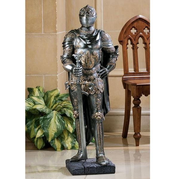 キング(王)を防御する西洋甲冑レプリカ (ハーフサイズ)彫像 彫刻/ The King's Guard Sculptural Half-Scale Knight Replica (輸入品