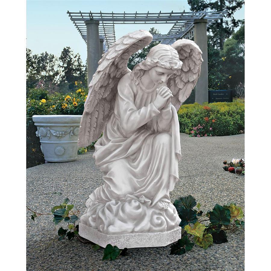 デザイン.・トスカノ製 ひざまずき祈る、大聖堂の天使像 屋外ガーデン彫像、高さ 66cm、アンティークストーン風 置物 彫刻(輸入品