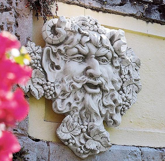 ワインの神 バッカス グリーンマンのガーデン壁彫刻 彫像/ Design Toscano Bacchus, God of Wine Greenman Wall Sculpture(輸入品