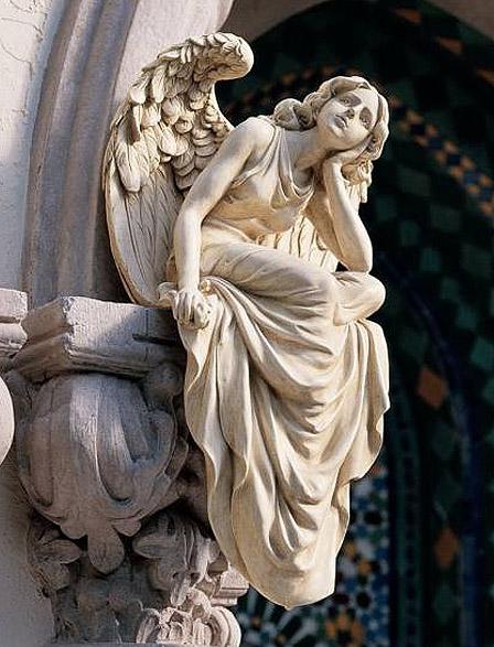 デザイントスカノ 腰かける天使の彫像 サイズ;ラージ/ Resting Grace Sitting Angel Statue Size: Large(輸入品