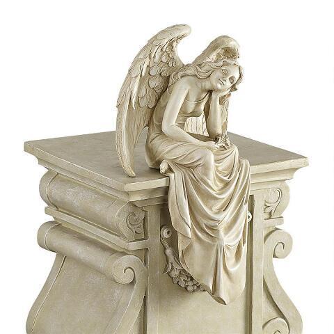 デザイン・トスカノ製 心穏やかな恵みある気品を持って 座っている天使 エンジェル 彫刻 彫像(輸入品