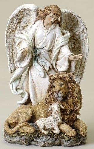 ヨセフ・スタジオ製 エンジェルコレクション、ライオンと子羊の傍らに立つ天使の彫像 置物 彫刻 高さ 約24cm(輸入品