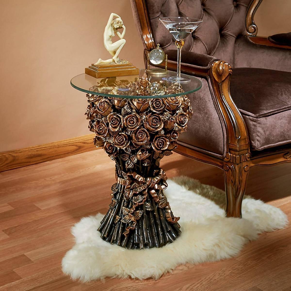 デザイン・トスカノ製 薔薇(バラ)のガラス張りの彫刻テーブル 家具置物 彫像 彫刻(輸入品)