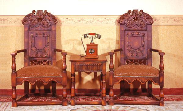輸入家具・クラシックチェア・テーブル3点セット