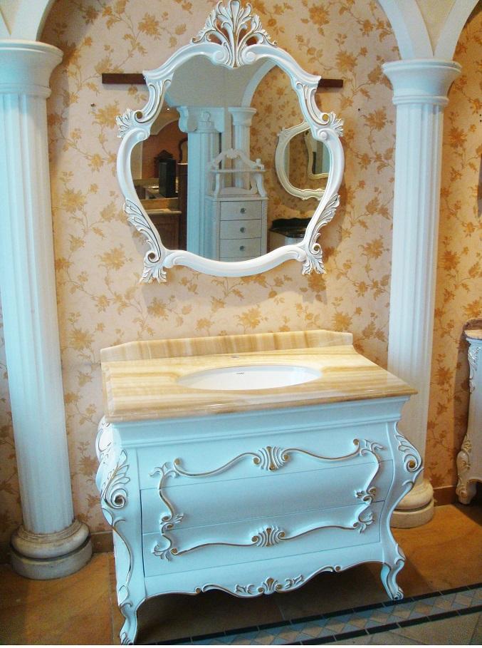 クラシック調洗面化粧台(鏡付)(幅:1105mm)
