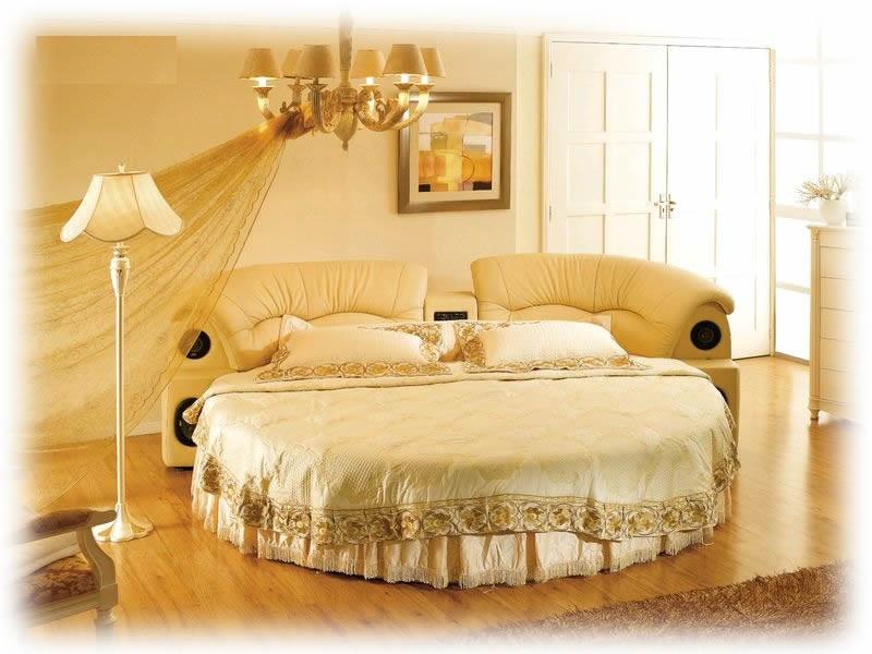円形ベッド+ハイヒール+エクステリア+マントルピース