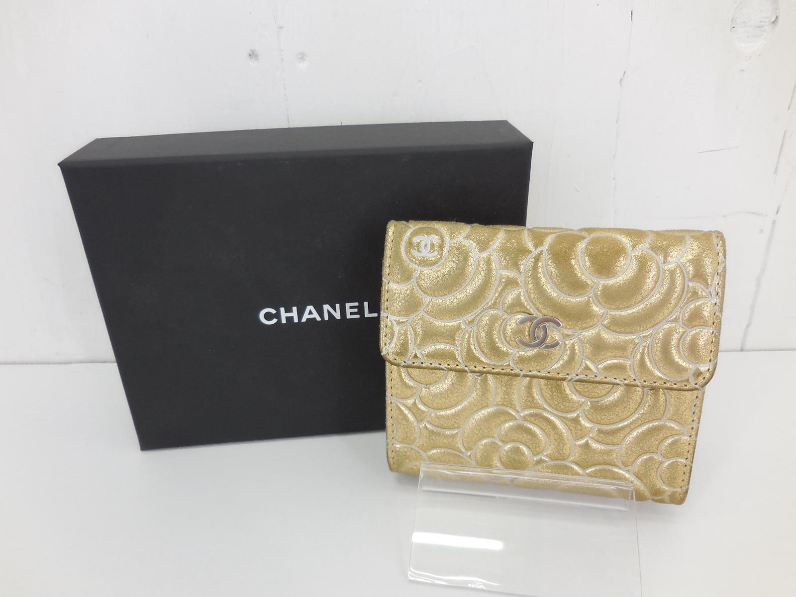 CHANEL A82294 Wホック 2つ折り 財布 シャネル ウォレット カメリアゴールド JSB鑑定済み