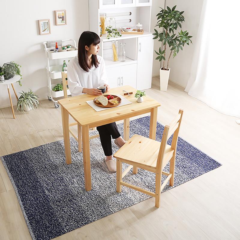 商品名 feld フェルト ダイニング3点セットサイズ テーブル 幅79 奥行56 高さ70 cmカラー ナチュラル材 料 パインダイニングテーブルセット ダイニングチェア 木製テーブル 木製チェアおしゃれ 北欧 モダン 無垢材 食卓 作業台 2人 3人 4人 5人
