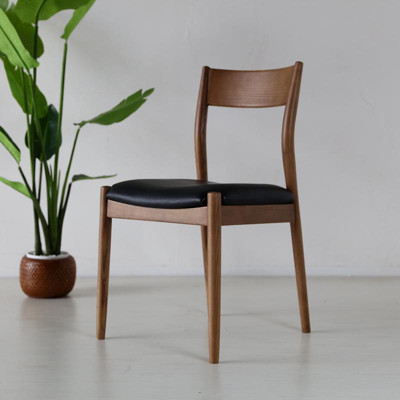 商品名| BTB ダイニングチェア材 料| アッシュ無垢材/合皮サイズ| 幅48.5×奥行51×高さ84.5/座面高48cm完成品 北欧テイスト モダン 食卓椅子 おしゃれ ダイニング 椅子 レザー 食卓イス