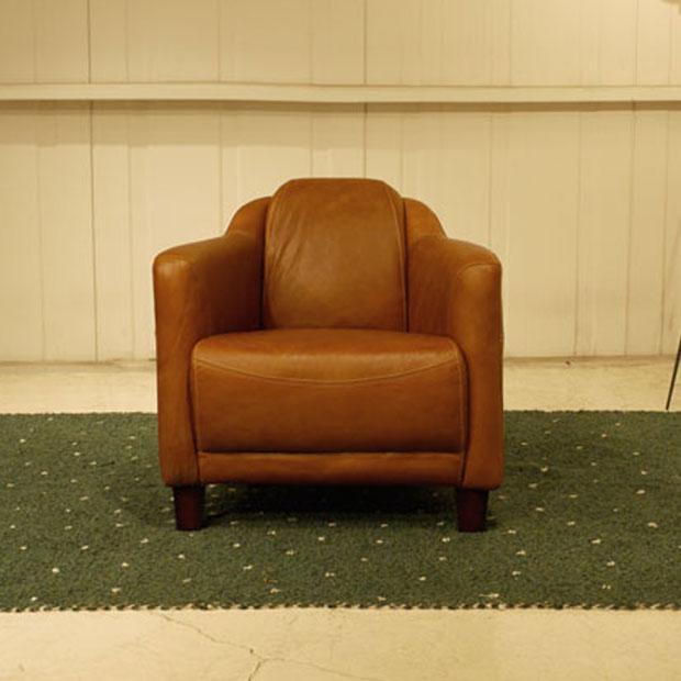・Vintage Leather Sofa - 15・1人掛け 1P ソファー ・アンティークモダンデザイン・鋲飾り ヴィンテージレザー・革 レザー 本皮張り椅子・アンティーク レザー ラウンジアームソファ・本革張り ヴィンテージソファ 一人掛け