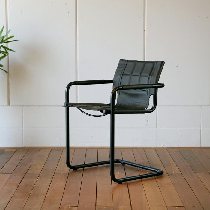 【GAN】チェアー 本革張りヴィンテージデザイン 幅約56 奥行54 高さ81cm本革張りのダイニングチェア北欧ミッドセンチュリーモダンデザインレトロモダンスタイルダイニング チェア 椅子 イス 完成品