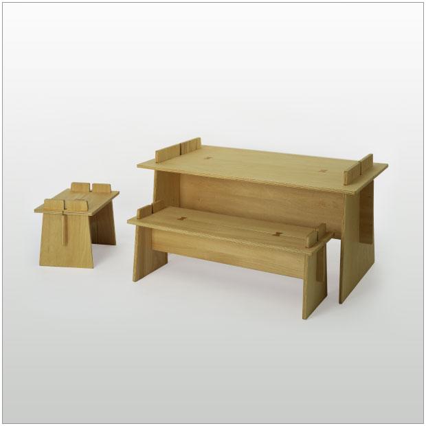 ・ジュンタ キッズデスクセット・デスク、ベンチ、スツール3点セット・デザイナーズ ブランド品・シンプルで北欧モダンなグッドデザイン・組立式の机 子供家具・送料無料
