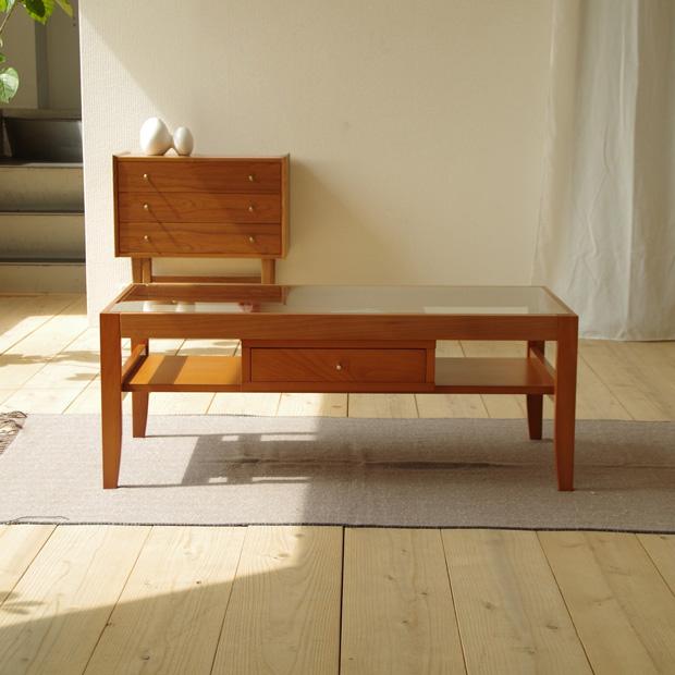 ・クリアガラスの引き出し付きリビングテーブル 105・北欧ナチュラルなシンプルモダンスタイル・引き出し付き ガラス 無垢 木製 センターテーブル・国産品 日本製