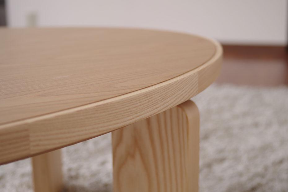 こたつテーブル・お好みに合わせて脚の位置を替えれます・ハの字脚十字脚・ナラ材のかわいいコタツ・幅120cmオーバル形コタツ・家具調こたつおしゃれ・北欧ジャパニーズモダンデザイン日本製