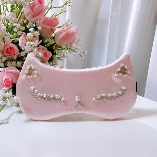 刺繍にパールやビーズが一つ一つ縫いつけられた可愛いアイマスクです 送料無料 ピンク パール 刺繍 猫耳 キャット 早割クーポン 耳 ふわふわ アイマスク レア ルームウェア おしゃれアイマスク デポー ギフト シルク 誕生日 希少 彼女 プレゼント