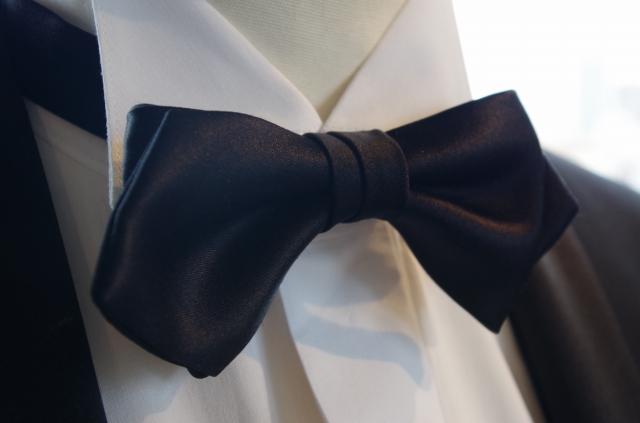 【RossoNero】 高級!日本製シルク100% 蝶ネクタイ黒(ボウタイ・ブラック) ポインテッドエンドタイ、日本縫製【結婚式/ウェディング/パーティー/フォーマルシーンに最適】