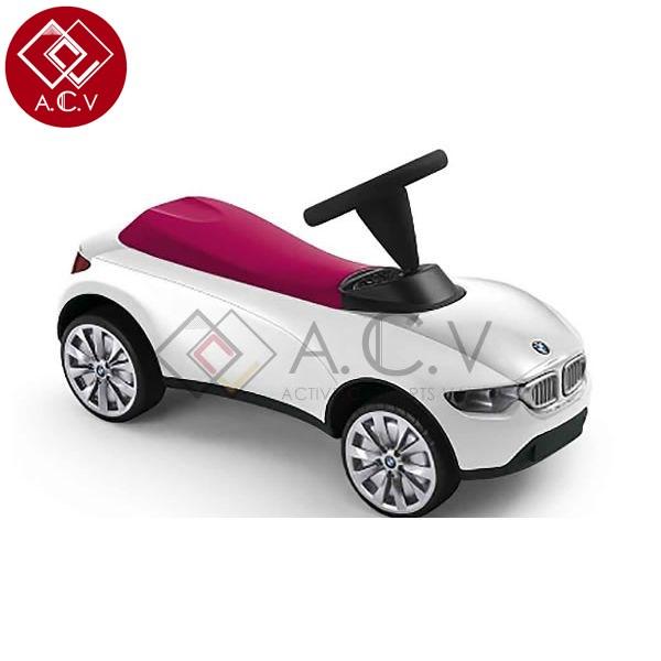 【送料無料】 BMW 純正 ベビーレーサー ホワイト/ラズベリー 3代目 子供用 キッズ 乗用玩具 キックカー 1-3歳 誕生日 プレゼント 記念日 入園祝い キッズ 足けり ペダルカー のりもの くるま ベイビー プレゼント 記念日 BMW製 ドイツ