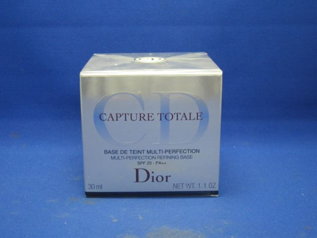 Christian, Dior capture Totale refining base 30 ml [at more than 20,000 yen (excluding tax)]