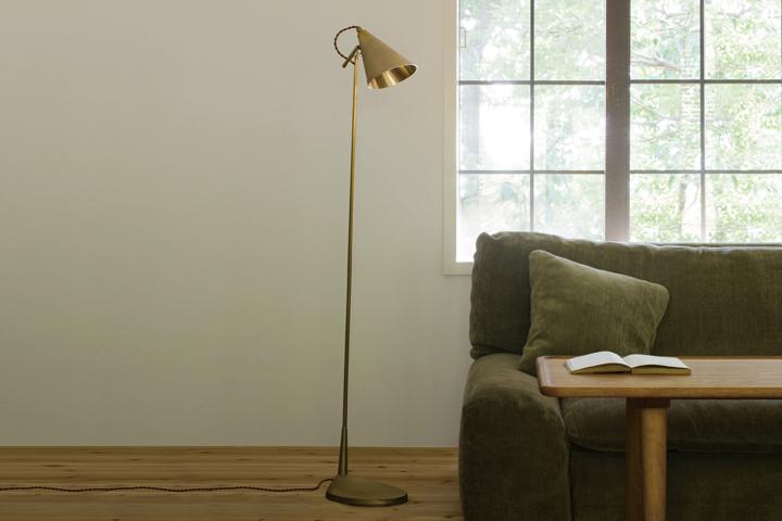 FUTAGAMI フタガミ 真鍮の照明:鋳肌 フロアランプスタンドランプ フロアライト 床置き照明二上の金属鋳物照明: