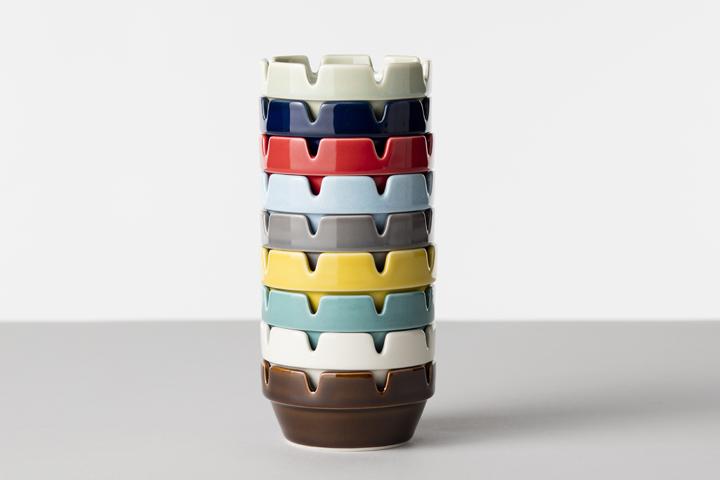 懐かしのデザインの灰皿が波佐見焼きに 陶器ならではのちょっぴり煤けた釉薬の色もレトロなデザインと相まっていい感じ HASAMI BLOCK 限定価格セール ASH 舗 TRAY ハサミ ブロックアシュトレイアメリカンレトロ 陶磁器の灰皿 ポイント はさみやき 波佐見焼 :
